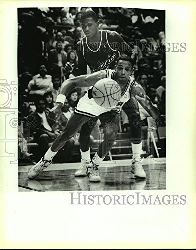 (Vintage Photos Historic Images 1988 Press Photo Spur Alvin Robertson, Clipper Reggie Williams Play an NBA Game - 10.25 x 8 in)