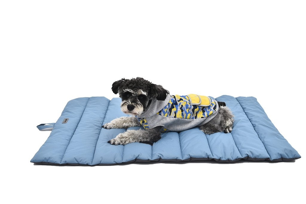free shipping VERTAST Double Sides Waterproof Bite Resistant Large Pet Mat Bed Outdoor Dog Pad, Matress 110 x 68 cm