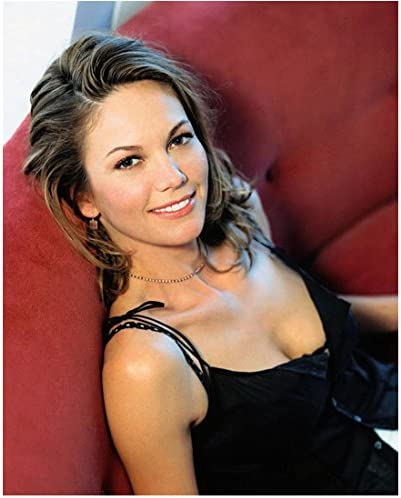 Diane Lane 8 Inch X 10 Inch Photograph Man Of Steel Inside Out Batman V Superman Dawn Of Justice Seated On Red Couch Beautiful Smile Kn At Amazon S Entertainment Collectibles Store