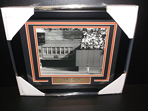 WILLIE MAYS THE CATCH 8X10 PHOTO FRAMED 1954 NEW YORK GIANTS ()