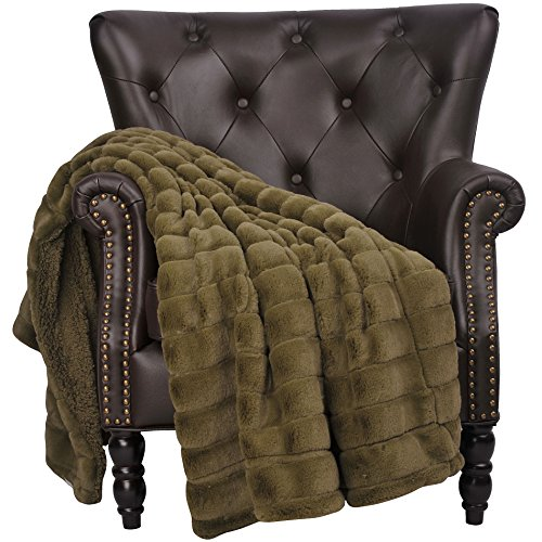 Home Soft Things Super Mink Faux Fur Throw with Sherpa Backing, 50