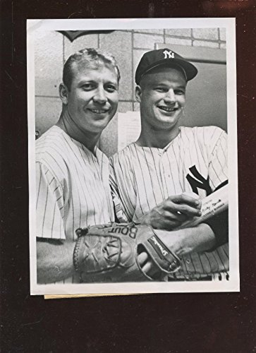 Original May 6 1962 Mickey Mantle & Jim Bouton 7 X 9 Wire Photo - Autographed MLB Photos