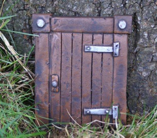 Hobbit Tür (Magisches Tor) Ideal für Garten und Bäume - Garten Deko