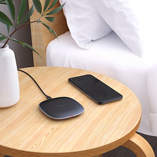 AUKEY Wireless Charger Qi-enabled, Ultra Slim, Crafted with Style Wireless Charging Pad for iPhone X/8/Plus, Samsung Galaxy S9/S9+/S8/S8+/S7 and Other Qi Compatible Devices by AUKEY (Image #4)