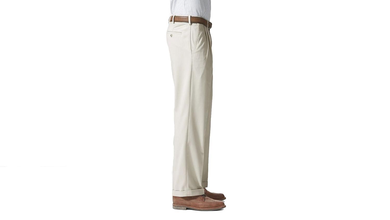 Dockers Mens Comfort Khaki Stretch Relaxed Fit Pleated Porcelain Khaki 31 32 32