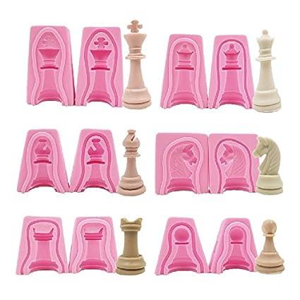 Set de 12 moldes de silicona en forma de piezas de ajedrez