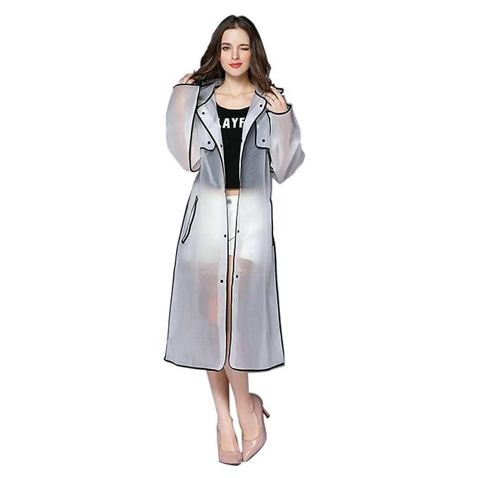 Elegante impermeable largo con gorro y bordes resaltados. Resistente y con opción de colores.