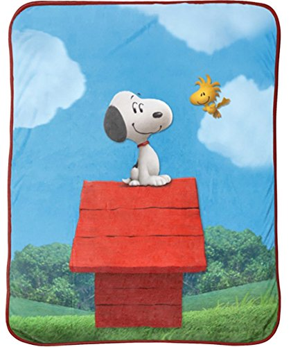 Snoopy Sunny Day Throw Blanket