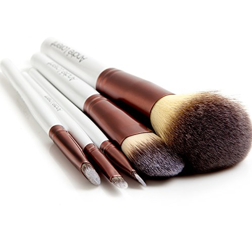 Buy the best makeup brushes