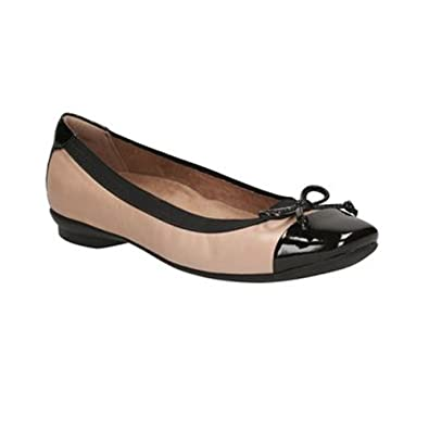 CLARKS Women's Candra Glow Flat Nude Leather Size 6.5 B(M) US