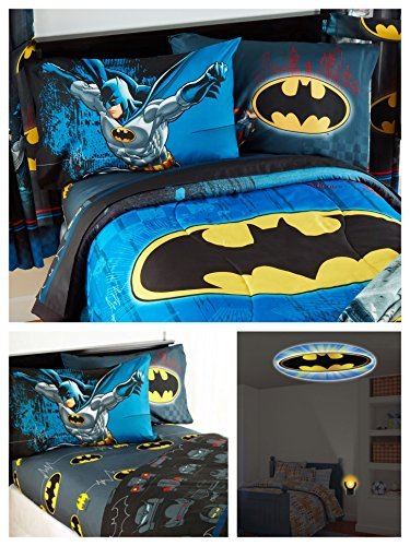 DC Comics Batman Kids Full Guardian Speed Bedding Set - Reversible Comforter, Sheet Set with Two Reversible Pillowcases and Night-Light