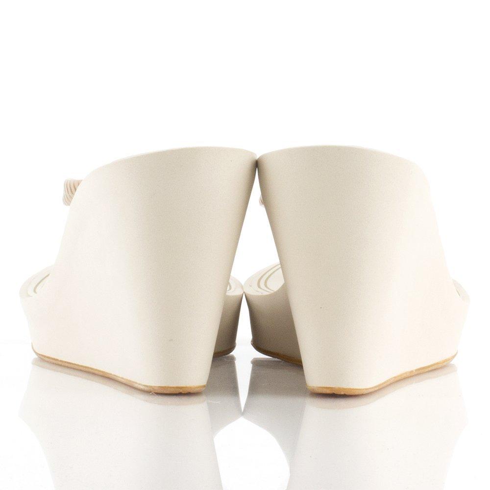 2b03687a4719 Juicy Couture Gold BRIT J482061 Women s Wedge Flip Flop Gold Fabric UK 5   Amazon.co.uk  Shoes   Bags