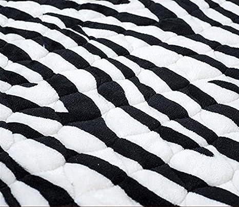 Carpet.z Lying Blanco y Negro sofá Almohada cojín de Moda ...