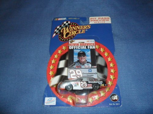 Kevin Harvick #29 GM Goodwrench Service Silver Black 1/64 Scale Diecast With Official Fan Photo Badge Winners Circle 2002 ()