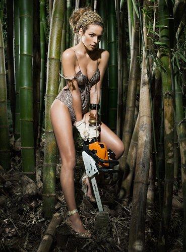 Calendario Stihl.Stihl Erotic Calendario 2009 Amazon It Casa E Cucina