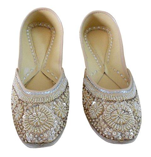 lavoro donne ecopelle sequenze Designer Indian tradizionale per Shoes Kalra le di con Camel creazioni SzIq6