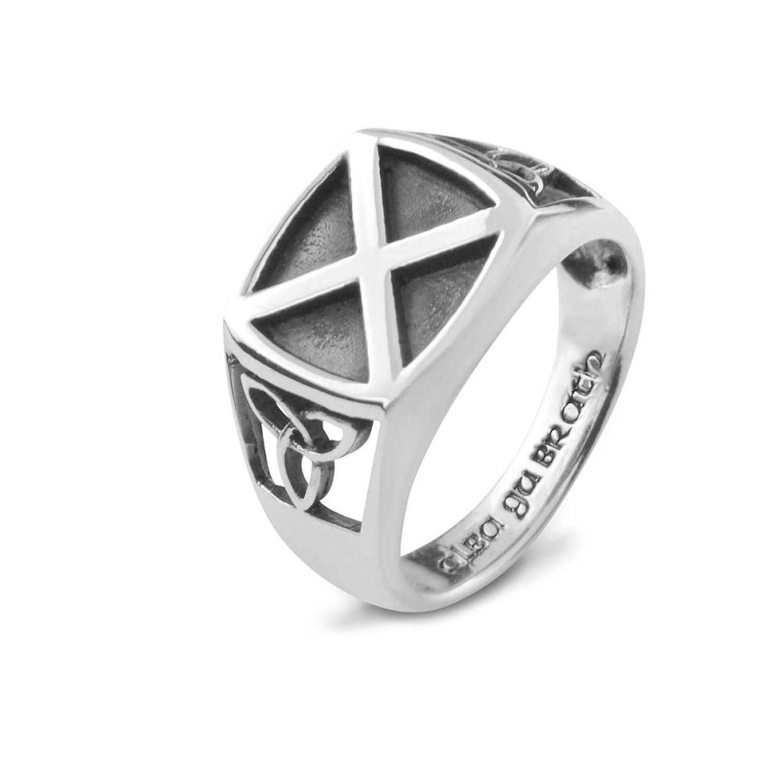 Knoten-Entwurf der Sterlingsilber-traditioneller keltischer Heiligen Dreifaltigkeit mit dem schottisches Siegelring Saltire-