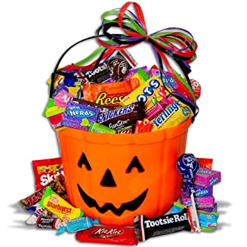 Amazon.com : No Tricks...Only Treats Halloween Gift Basket ...