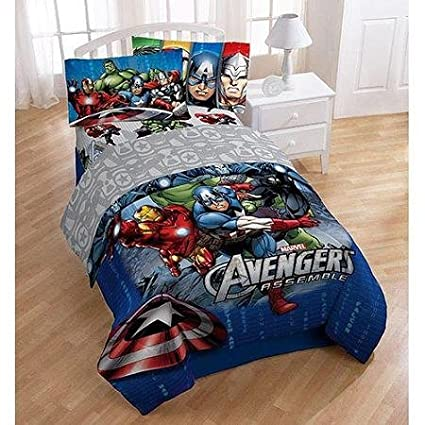 amazon com avengers complete bed set home kitchen rh amazon com Marvel Bedroom Decor Batman Bedroom