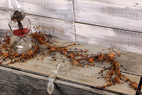 Pip Berry & Rusty Star Garland (Colonial) by Colonial Tin Works