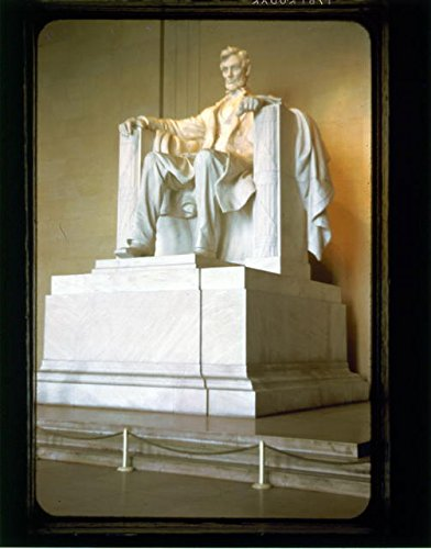 HistoricalFindings Photo: Bad Quality Statue of Abraham Lincoln,Lincoln Memorial,Washington,D.C,1951