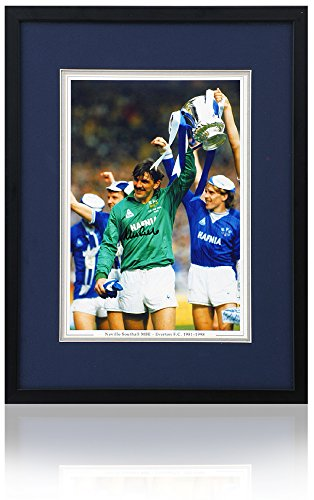 Neville Southall Hand Signed Everton FC 10x8 1985 FA Cup ()