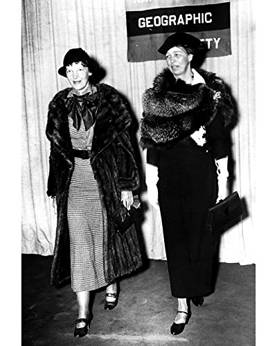 Ameilia Earhart And Eleanor Roosevelt Wearing Evening Wear - 16
