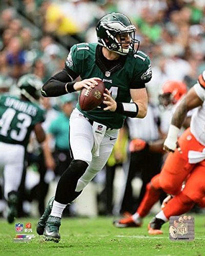 carson-wentz-philadelphia-eagles-2016-nfl-action-photo-size-8-x-10