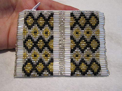 elegant statement diamond white black gold hand beaded glass seed bugle beads Fair trade Guatemalan handmade design pattern zippered coin purse credit card holder pouch bag