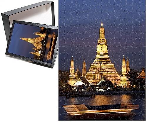 photo-jigsaw-puzzle-of-temple-of-dawn-wat-arun-at-dusk-with-boat-on-chao-phraya-river-bangkok