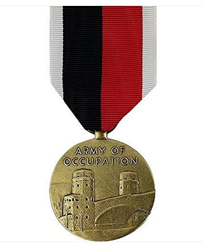 Vanguard FULL SIZE MEDAL WWII OCCUPATION ARMY AND AIR ()