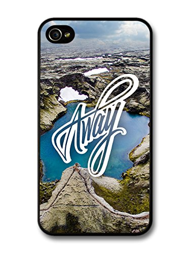 Away Travel Wanderlust Quote Typography with Beautiful Landscape coque pour iPhone 4 4S