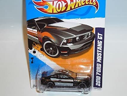 2010 FORD MUSTANG GT 2008 HOT WHEELS RED 2009 NEW MODELS