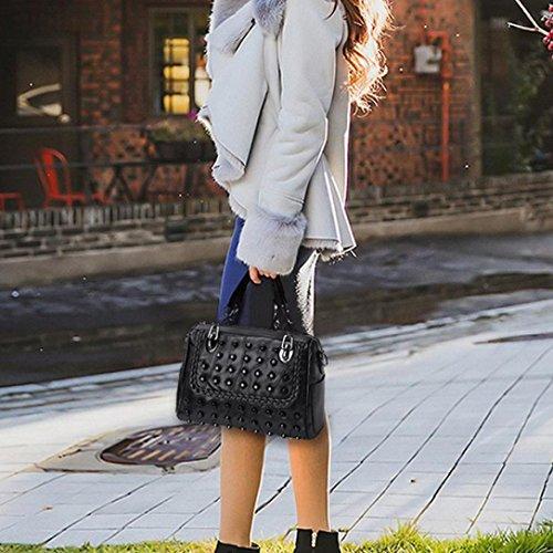 Le Bandoulieres à BandoulièRe OHQ Main Cuir Cher En Femmes Femme Paquet Sacs Portatif ModèLe Pas Noir Dames Riveté Ont Casual Marque Diagonal Sac De A Rivet Mouton Mode Noirb RxSFABXqwx