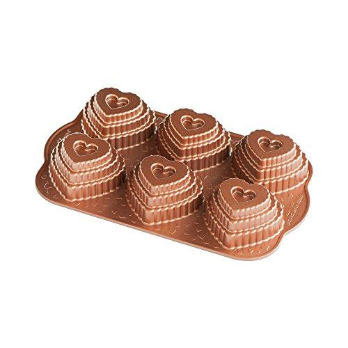 Nordic Ware 90937 Cast Bundt Bakeware Tiered Heart ()