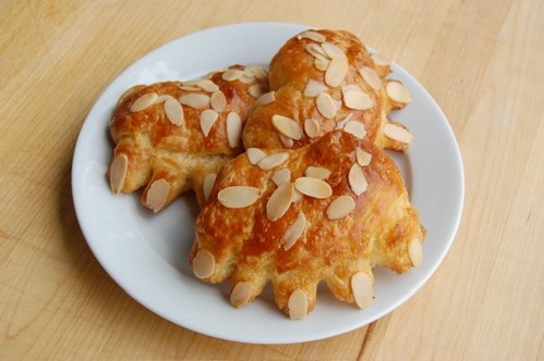 BEAR CLAW ALMOND PASTRY BAKERY FRESH 2 CT