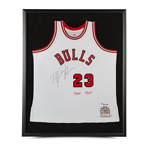 MICHAEL JORDAN MITCHELL & NESS WHITE ROOKIE JERSEY EMBROIDERED 1985 ROY - FRAMED -L223 ()