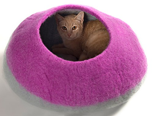 KittiKubbi - Cat Bed Cave (Large) - Felted from 100% Natural Wool - Handmade pod for cats and kittens (Lilac)