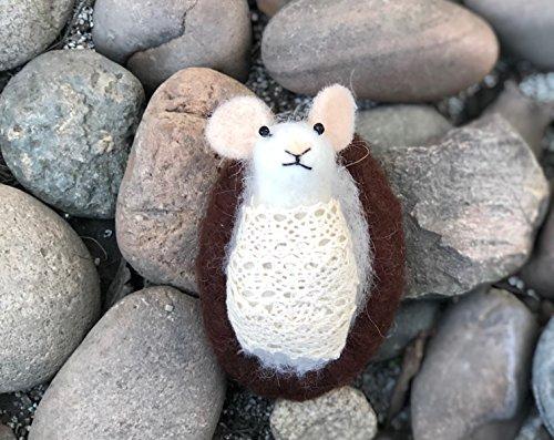 HANDMADE needle felted- baby mouse- Animal art. (Needle Felted Mouse)