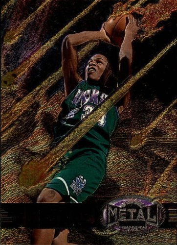 1997 Metal Universe Basketball Card (1997-98) #104 Ray Allen (Card Metal Universe)