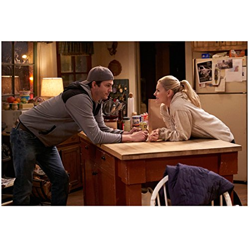 The Ranch (TV Series 2016 - ) 8 inch by 10 inch PHOTOGRAPH Ashton Kutcher from Ankles Up Leaning Across Counter w/Elisha Cuthbert kn ()