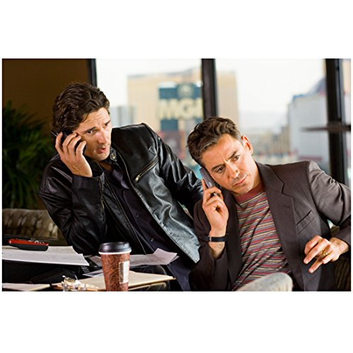 Fortuitous You (2007) 8 Inch x10 Inch Photo Eric Bana & Robert Downey, Jr. Both on Phones kn-