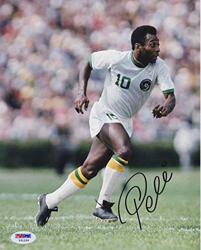 (Pele Autographed Signed Memorabilia 8x10 Soccer Cosmos Photo - White Jersey Running - PSA/DNA Authentic)
