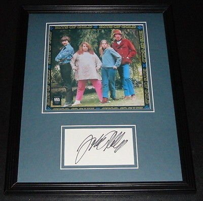 papa-john-phillips-signed-framed-11x14-photo-display-mamas-the-papas