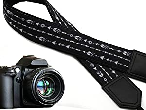 Back and Whire Arrows camera strap. Black DSLR / SLR Camera Strap with triangles and rings. code 00013