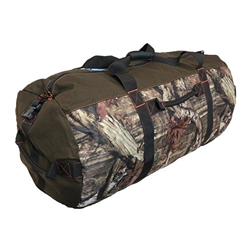 dc929f5cd1 Amazon.com  HUGE Exclusive 36 Inch Case IH Mossy Oak Camo Barrel Duffle Bag   Toys   Games