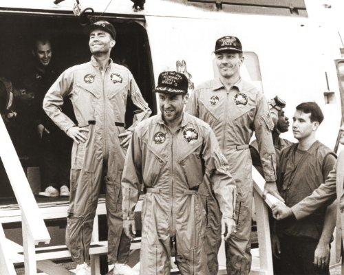 New 8x10 NASA Photo: Apollo 13 Astronauts Aboard USS IWO JIMA