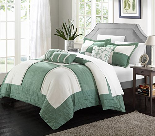 Lazo 7-Piece Soft Microsuede Patchwork Comforter Set, Queen, Green/White; Bed in a Bag, 2 Shams and 4 Throw Pillows Included (Green And Cream Bedding Set)