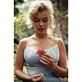 amazoncom marilyn monroe flower poster 24 x 36in prints