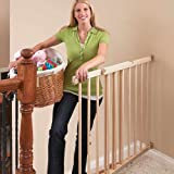 Evenflo Top of Stairs Plus Gate - 4 Point Hardware Mounting with REMOVABLE SWING CONTROL - ATTRACTIVE and Just Right for Securing A Room or Stairway - SAFE FOR USE at Top of Stairs with One Hand Release Latch